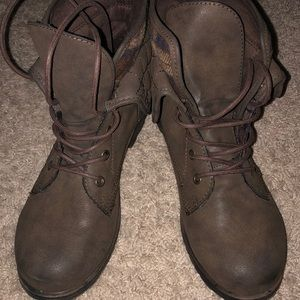 NWOT Rock and Candy women's boots size 8